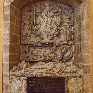 Sepulcro de Simón Galarza y su mujer Antonia Rodríguez en Carmelitas Descalzas, Alba de Tormes