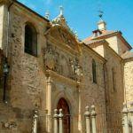 Fachada del Templo en Carmelitas Descalzas, Alba de Tormes